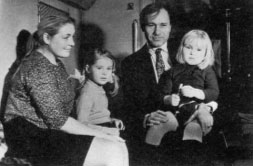 Shukshin and his family; filming a scene for Pechki-Lavochki(1972)